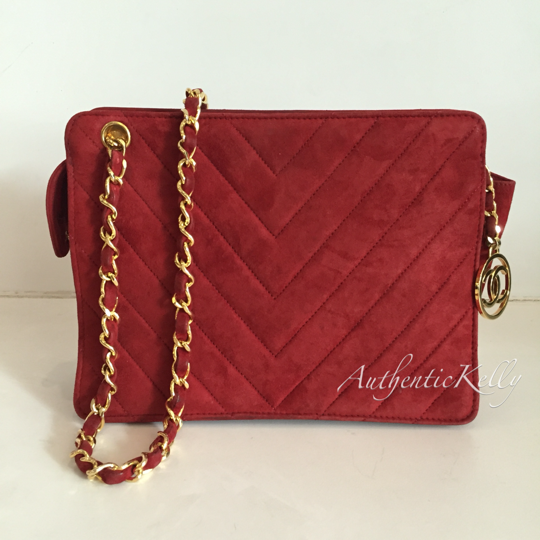 6484ee2317ab CHANEL Red Suede Vintage GHW Sling Bag – AuthenticKelly